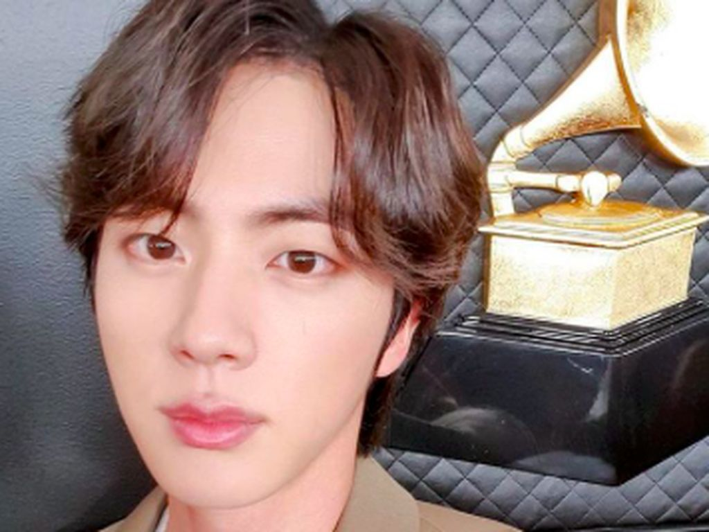 3 Hal di Balik Viral Jin BTS Mirip Karakter Su Ho di True Beauty