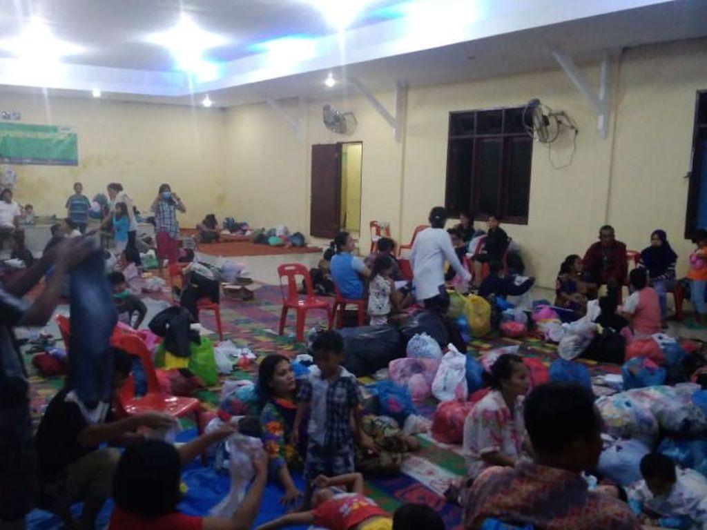 Rumah Rusak Gegara Banjir, Ratusan Warga Tanjung Selamat Medan Mengungsi