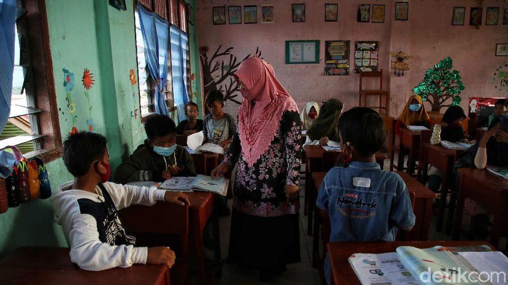 Foto: Merajut Asa Pendidikan Anak-anak di Pulau Perbatasan Rupat