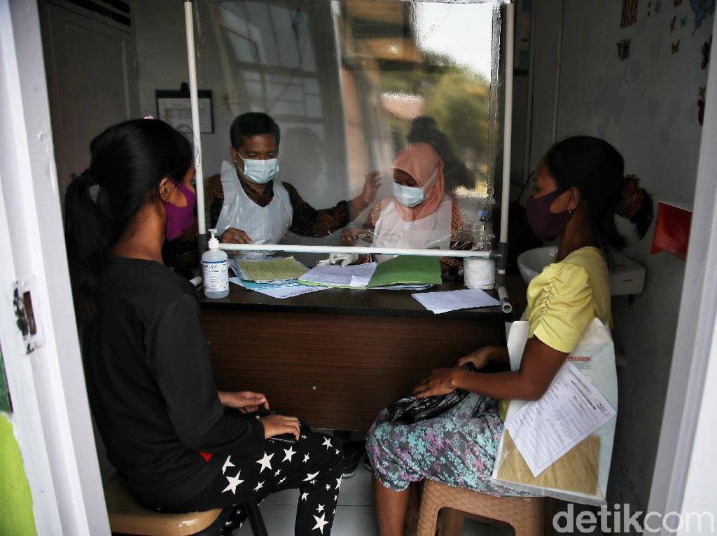 Melihat Aktivitas Petugas Medis di Pulau Terluar Rupat