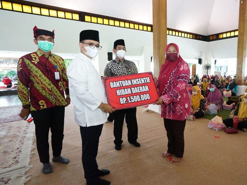 Pemkab Banyuwangi Salurkan Rp 1,65 Miliar Bagi Insentif Guru PAUD/TK