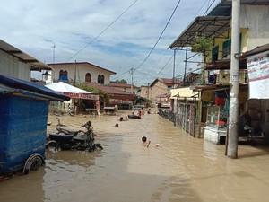Gubsu Ungkap Penyebab Banjir di Medan: Hujan di Gunung-Semua Sungai Naik