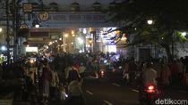 Cegah Kerumunan, Polisi Perketat Buka Tutup Jalan di Bandung