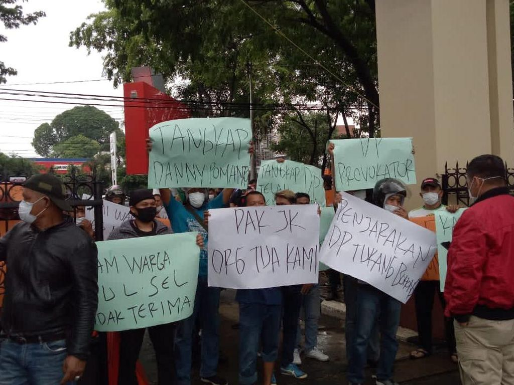 Soal Fitnah JK, Massa Datangi Polda Tuntut Tangkap Danny Pomanto
