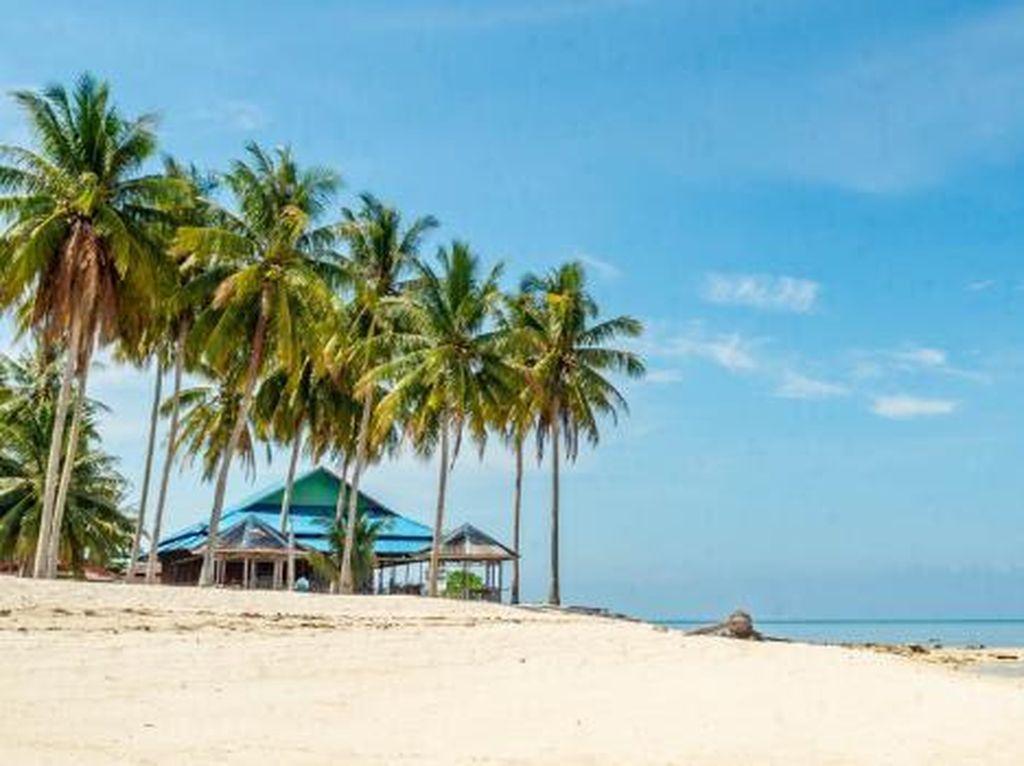 Adopsi Safe Travel, 5 Pantai Ini Bikin Kangen Liburan Lagi