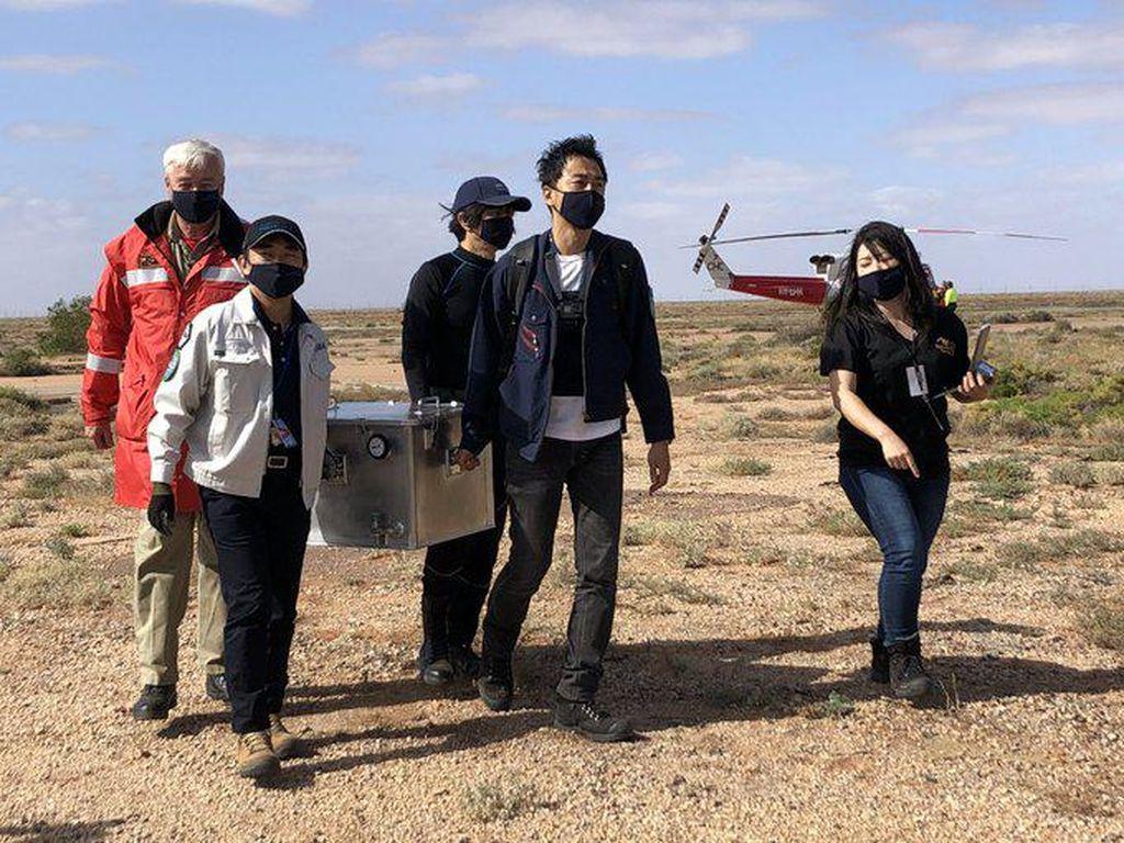 Hebat, Jepang Sukses Daratkan Sampel Asteroid Purba