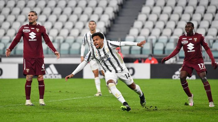 TURIN, ITALY - DECEMBER 05: Weston McKennie of Juventus celebrates after scoring his teams first goal during the Serie A match between Juventus and Torino FC at Allianz Stadium on December 05, 2020 in Turin, Italy. Football Stadiums around Italy remain empty due to the Coronavirus Pandemic as Government social distancing laws prohibit fans inside venues resulting in fixtures being played behind closed doors. (Photo by Valerio Pennicino/Getty Images)