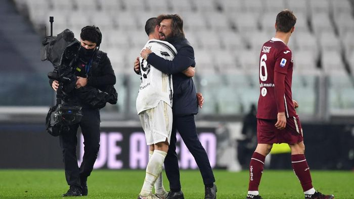 TURIN, ITALY - DECEMBER 05: Leonardo Bonucci of Juventus celebrates with Head Coach Andrea Pirlo after the Serie A match between Juventus and Torino FC at Allianz Stadium on December 05, 2020 in Turin, Italy. Football Stadiums around Italy remain empty due to the Coronavirus Pandemic as Government social distancing laws prohibit fans inside venues resulting in fixtures being played behind closed doors. (Photo by Valerio Pennicino/Getty Images)