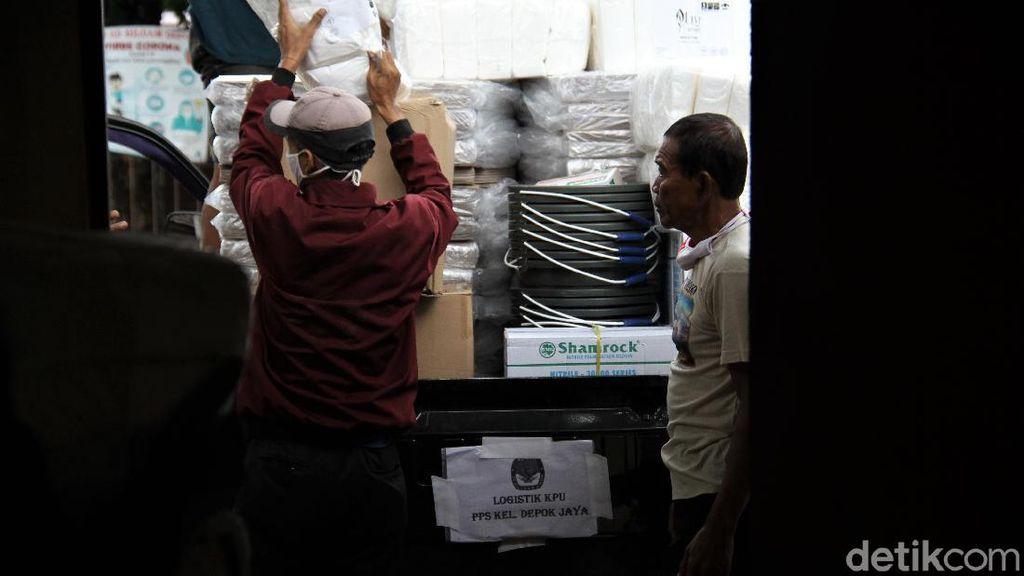 Logistik Pilkada Depok Mulai Didistribusikan ke Kelurahan