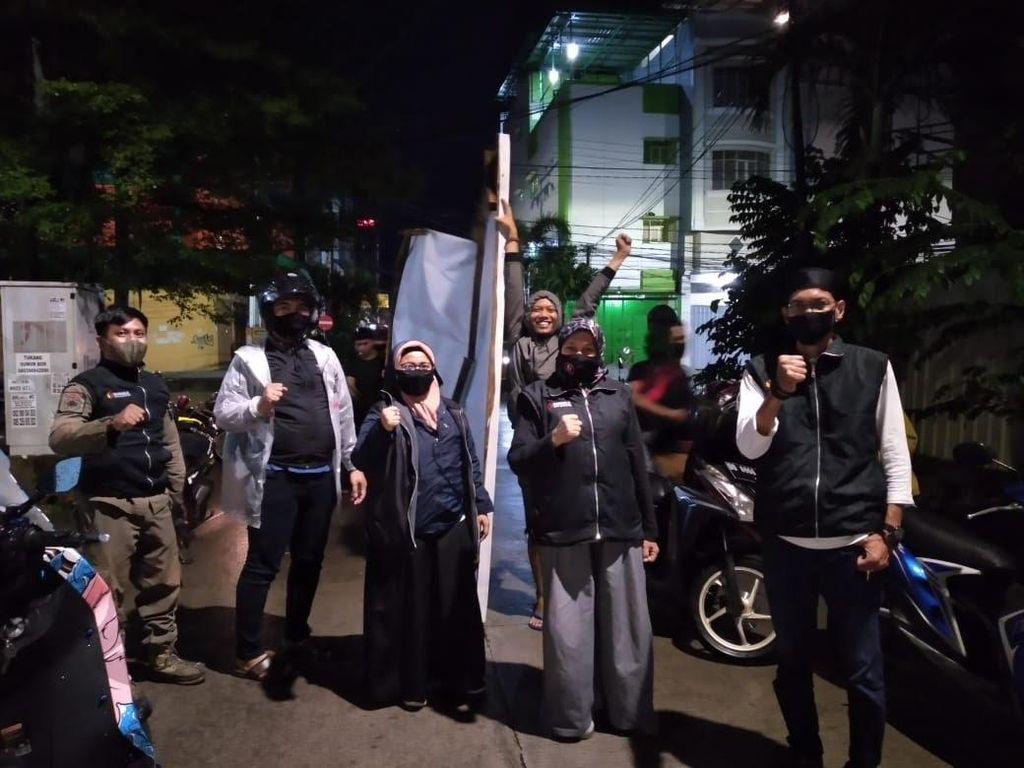 Masa Tenang Pilkada Makassar, KPU-Bawaslu Turunkan APK Paslon