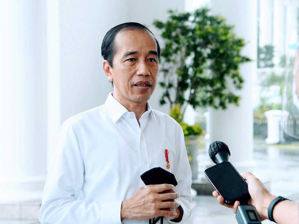 Kode Jokowi soal Kabinet: Dulu Gagang Telepon, Kini Rel Kereta Api