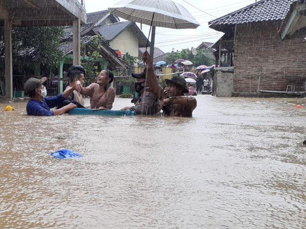 Seorang Warga Tewas Akibat Banjir di Lebak