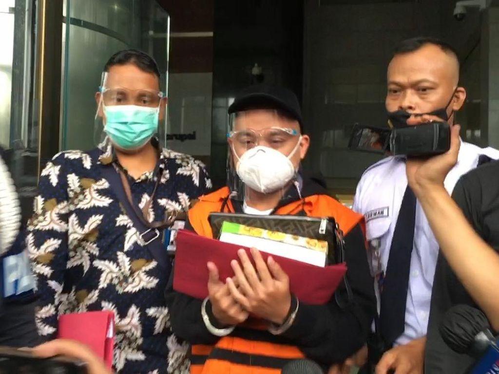 Tersangka Bansos Corona Harry Sidabukke Dibawa Ke Rutan KPK