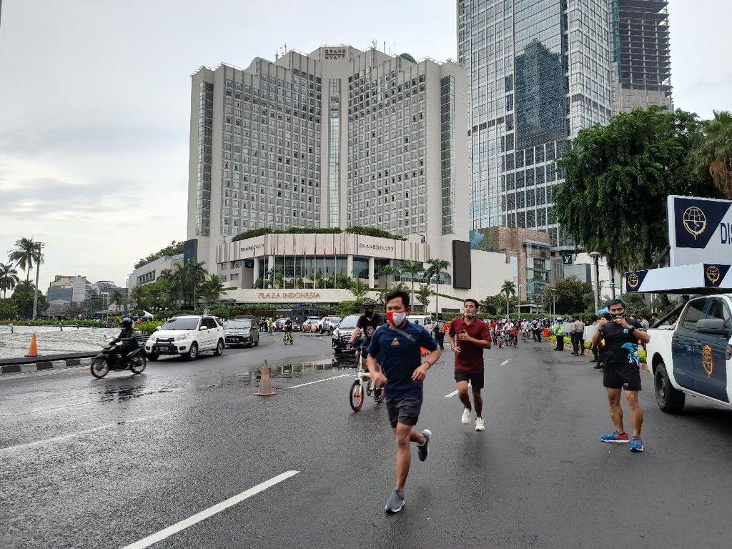 Hari Terakhir PSBB Transisi, Sudirman-Thamrin Ramai Warga Berolahraga