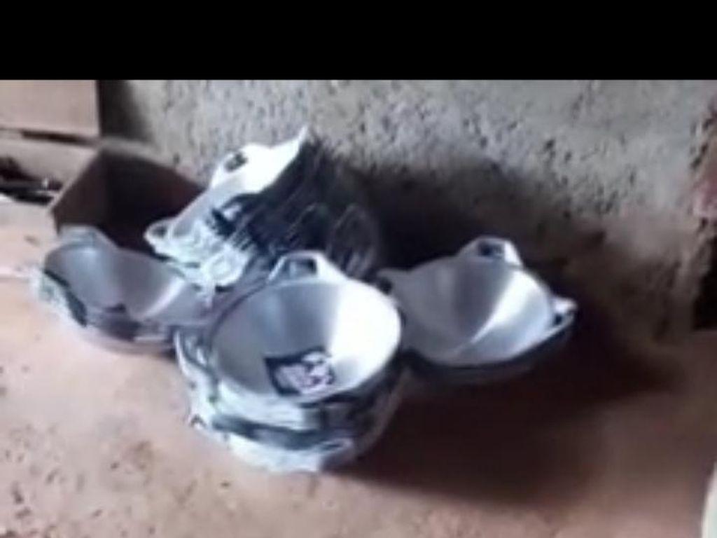 Viral Video Tumpukan Telur-Wajan Berstiker Paslon Pilkada Gunungkidul