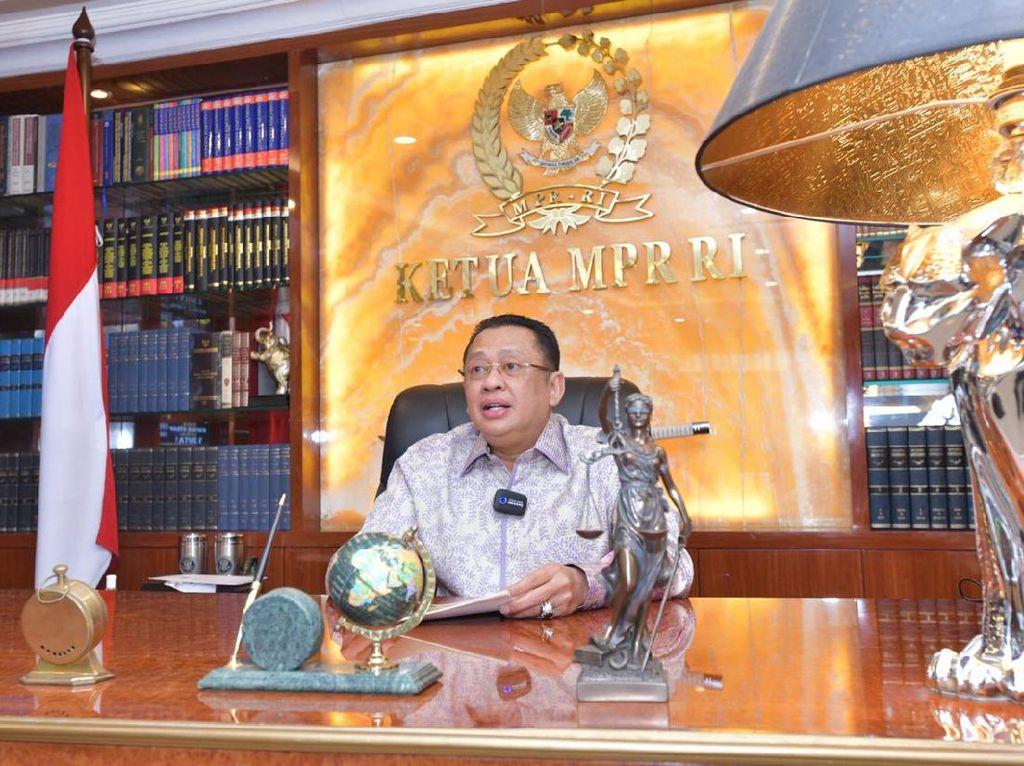 Ketua MPR Ingatkan Tugas Berat Pemerintah Setelah Vaksinasi