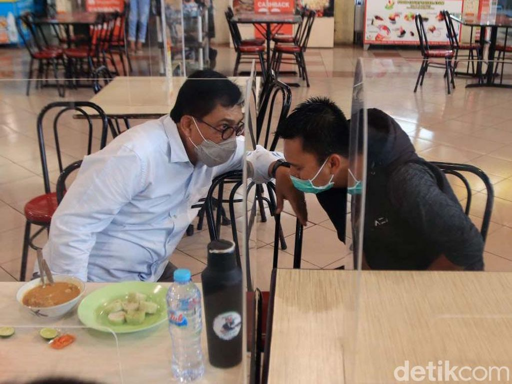 Masa Tenang, Machfud Arifin Makan Siang Bareng Presiden Persebaya