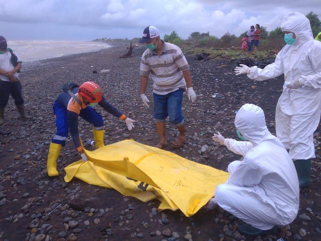 Mayat Wanita Berkebaya Ditemukan di Pantai Bringin Jepara