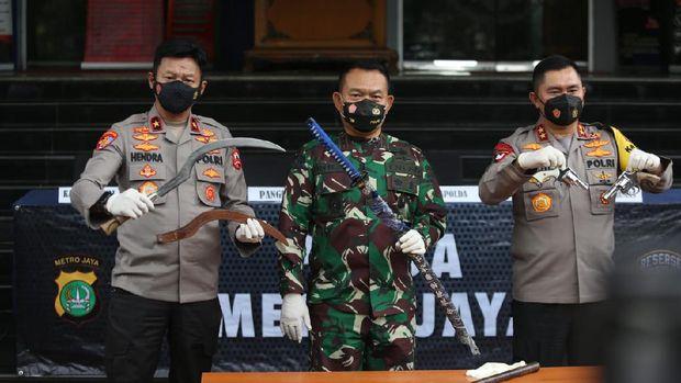 Polisi diserang fpi