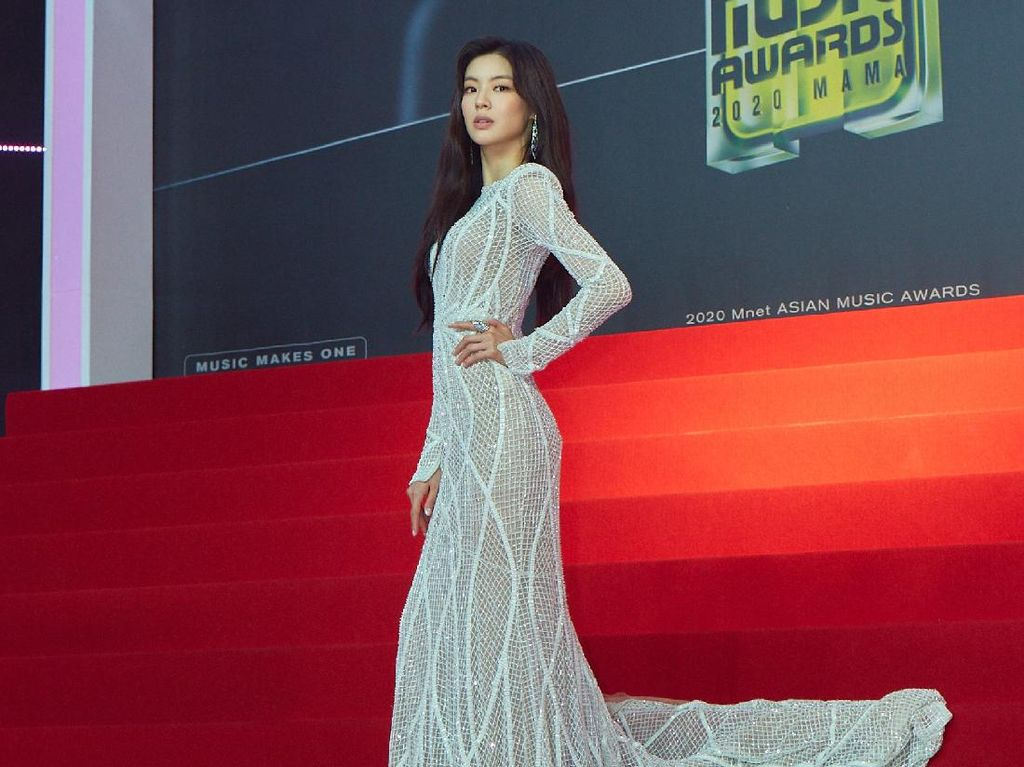 Bertabur Bintang, Intip Gaya Mewah Para Seleb Korea di Red Carpet MAMA 2020