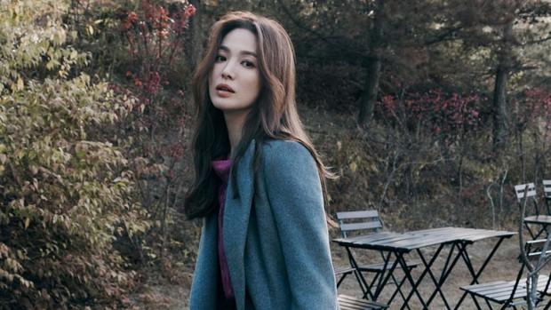 salah satu rahasian cantik Song Hye Kyo yaitu diet rendah sodium, yoga, serta olahraga lari dan jalan kaki