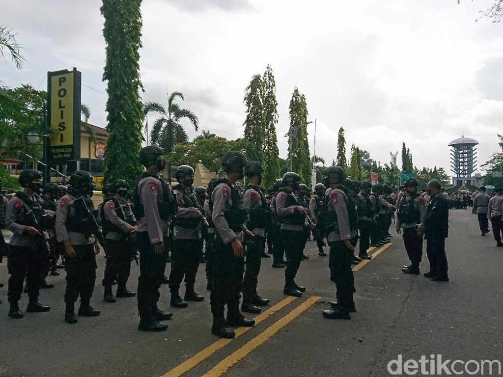 Polres Cilegon Kerahkan 714 Personel Jaga TPS Pilkada Cilegon-Serang