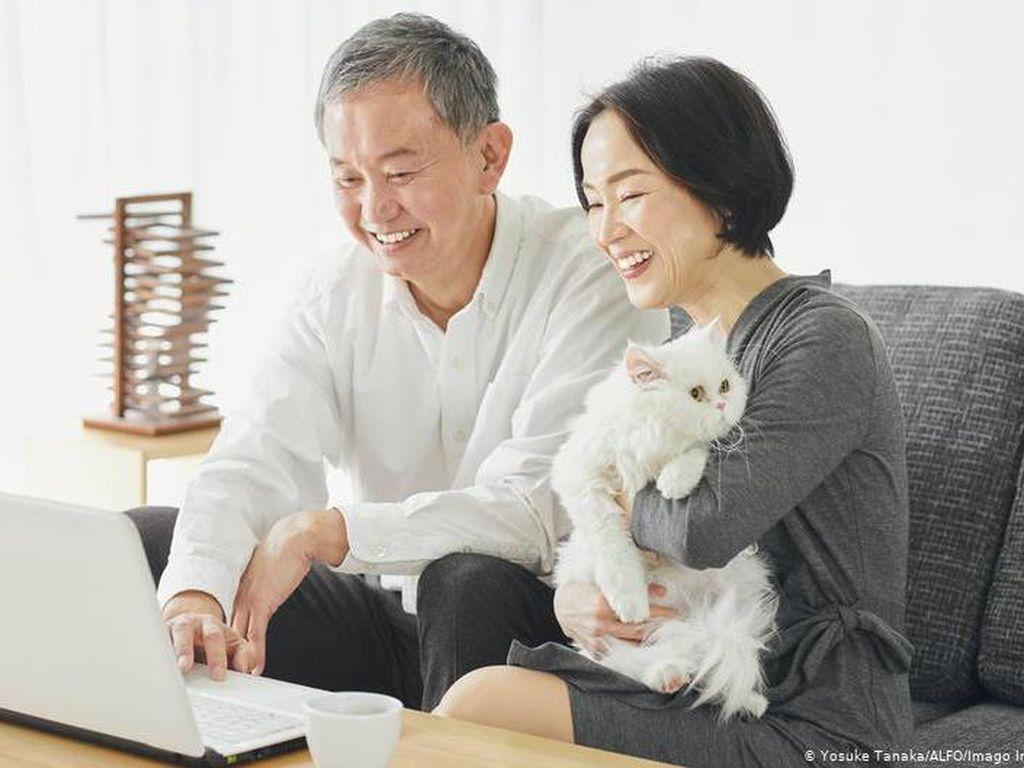 Angka Kelahiran Turun, Pemerintah Jepang Danai Sistem Perjodohan