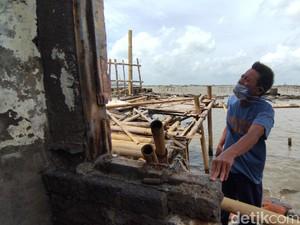 Belasan Rumah Kampung Nelayan Tambak Lorok Semarang Rusak Dihantam Ombak