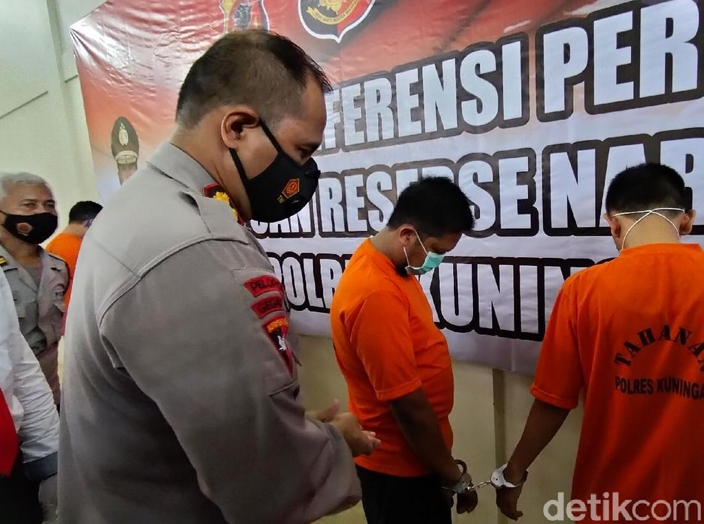 Pakai Sabu, 2 Oknum PNS-Manajer Restoran di Kuningan Dibekuk Polisi