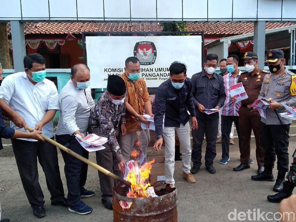 KPU Pangandaran Musnahkan Ribuan Surat Suara Rusak
