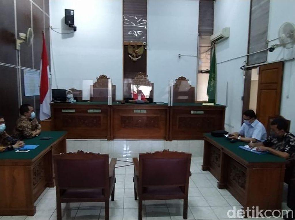 Hakim Tolak Praperadilan MAKI soal Pembelian Lahan Cengkareng Era Ahok