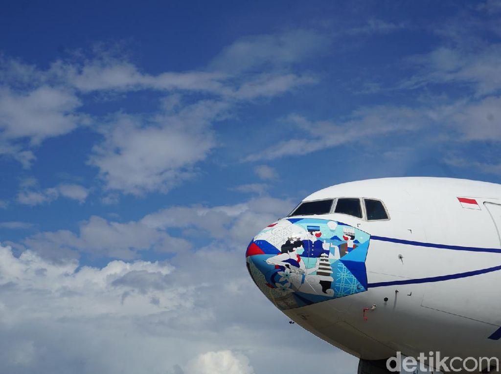 Potret Pesawat Garuda Indonesia  yang Bermasker Baru