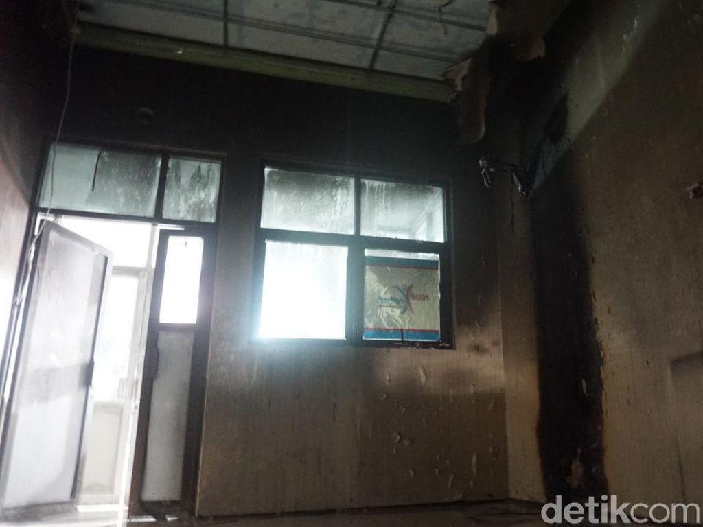 Ruang Isolasi Pasien Corona di RSUD Kraton Pekalongan Kebakaran