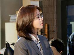 Perubahan yang Dilakukan YoonA untuk Jadi Reporter di Drama Hush