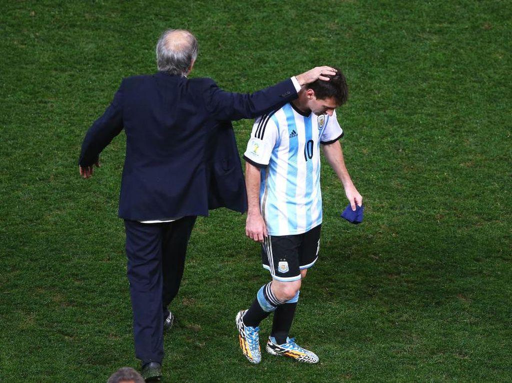 Messi, Sabella, dan Ban Kapten Timnas Argentina