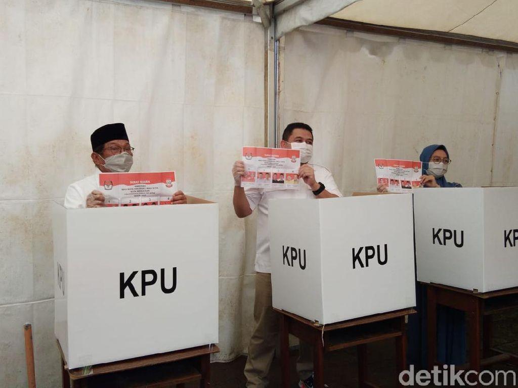Nyoblos Bareng Aksa Mahmud, Cawalkot Makassar Appi Harap Tak Ada Kisruh