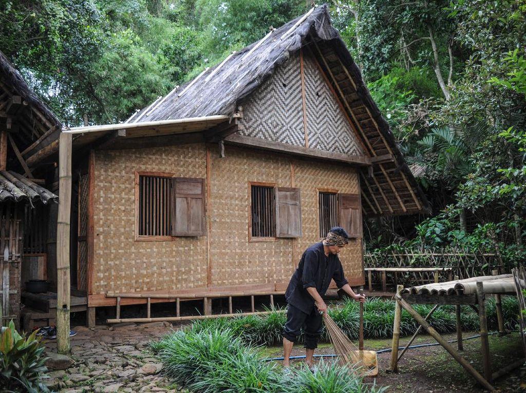 Yang Tersisa Dari Kampung Adat Cikondang