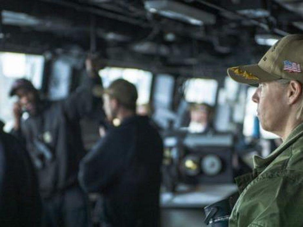 Pertama Kali dalam Sejarah, Seorang Wanita Pimpin Kapal Induk Nuklir AS