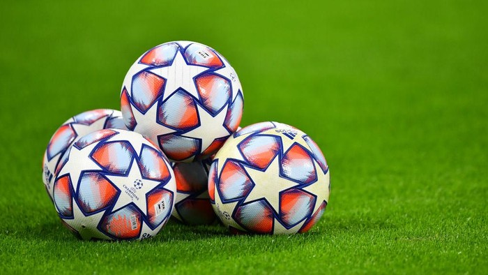 LEIPZIG, GERMANY - DECEMBER 08: The Adidas Champions League match balls are seen on the pitch prior to the UEFA Champions League Group H stage match between RB Leipzig and Manchester United at Red Bull Arena on December 08, 2020 in Leipzig, Germany. Sporting stadiums around Germany remain under strict restrictions due to the Coronavirus Pandemic as Government social distancing laws prohibit fans inside venues resulting in games being played behind closed doors. (Photo by Stuart Franklin/Getty Images)