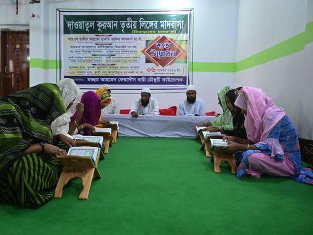 Madrasah Pertama Khusus Transgender Dibuka di Bangladesh