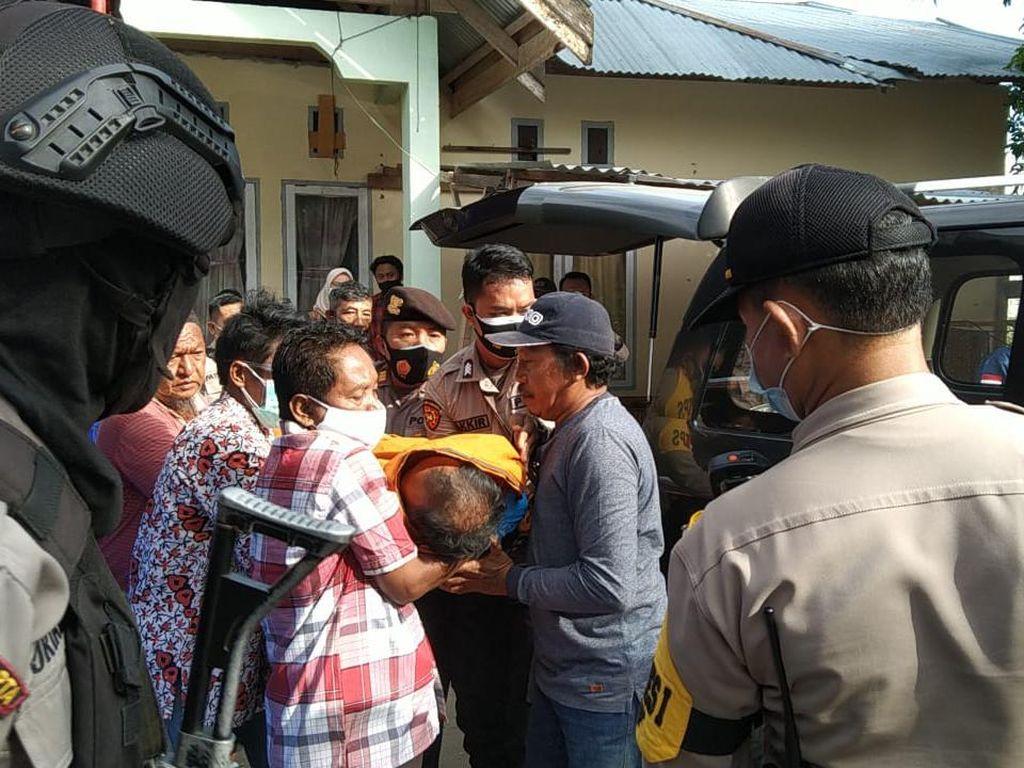 Jatuh Saat Antrean, Pemilih di Kota Palu Meninggal di TPS