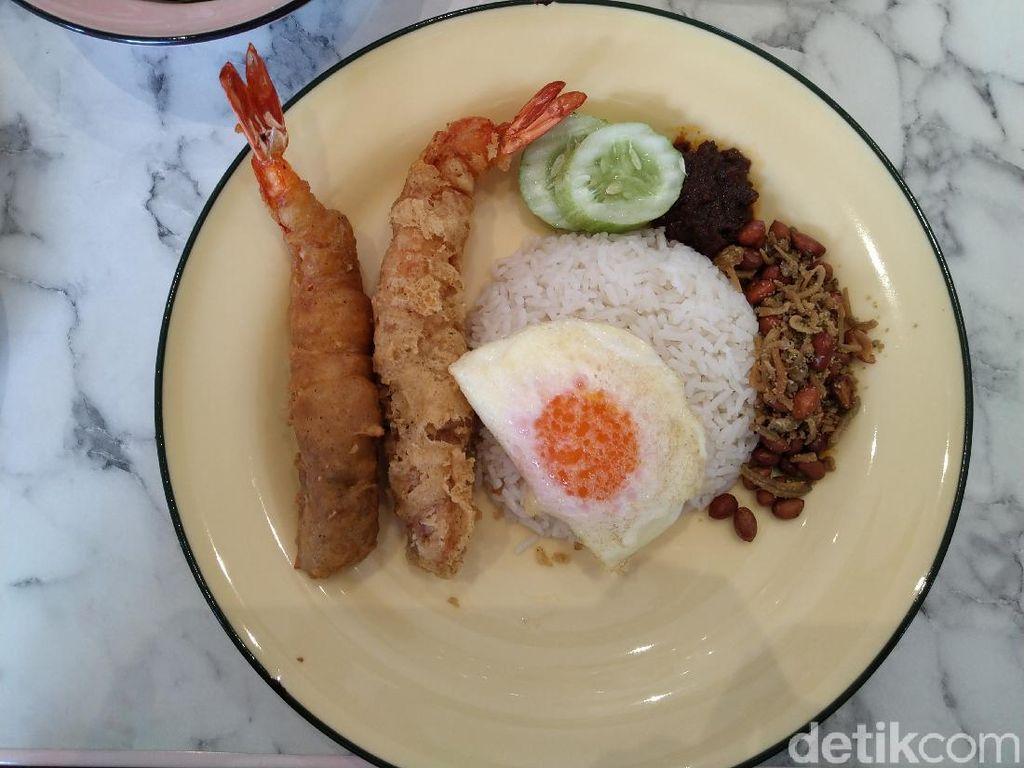 Bersantap Nasi Lemak Ponggol, Kuliner Legendaris Singapura yang Hadir di Jakarta