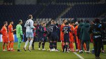Detik-detik Wasit Rasis di Laga PSG Vs Istanbul Basaksehir