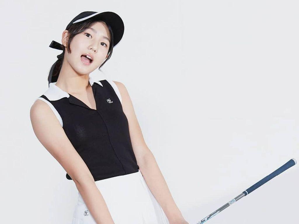 Cantiknya Pegolf Cilik yang Sering Disebut Kembaran Bae Suzy