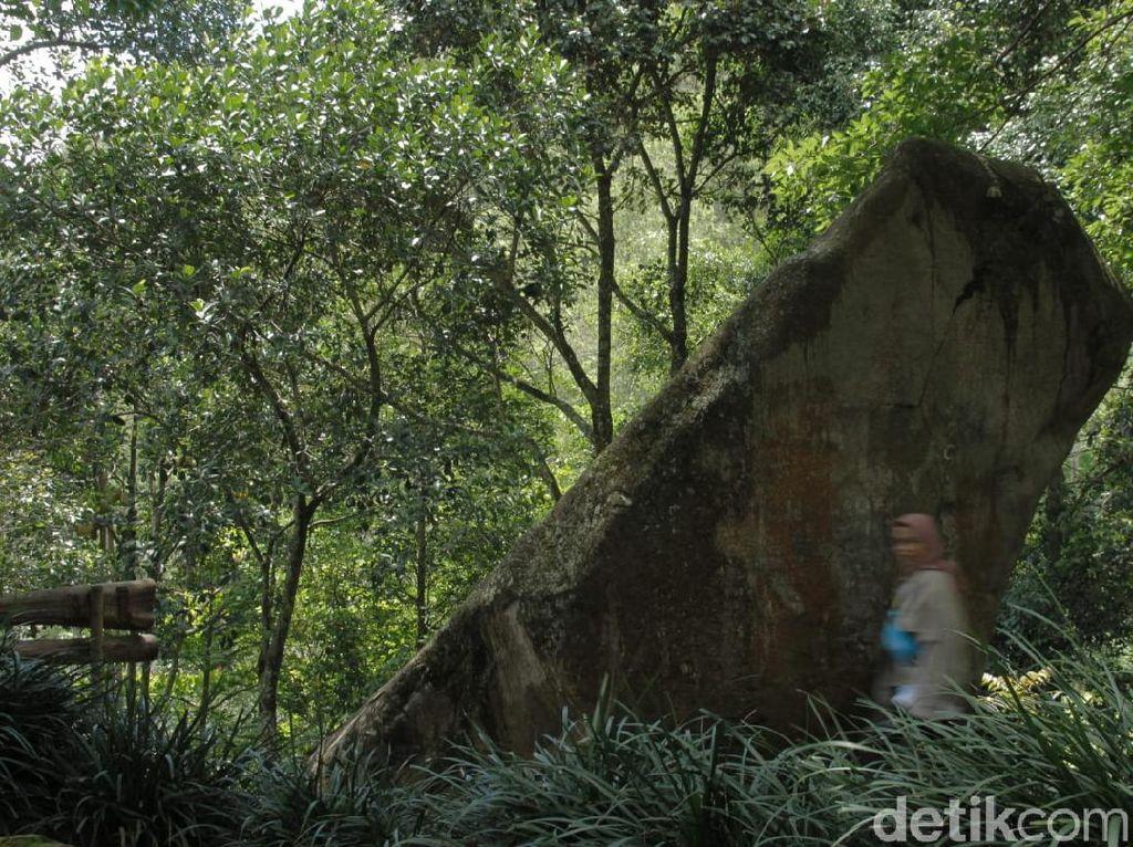 Situs Batu Kuda di Bandung yang Penuh Misteri
