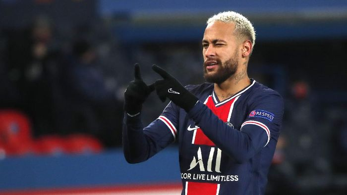 PSGs Neymar celebrates after scoring his sides fourth goal during the Champions League group H soccer match between Paris Saint Germain and Istanbul Basaksehir at the Parc des Princes stadium in Paris, France, Wednesday, Dec. 9, 2020. (AP Photo/Francois Mori)