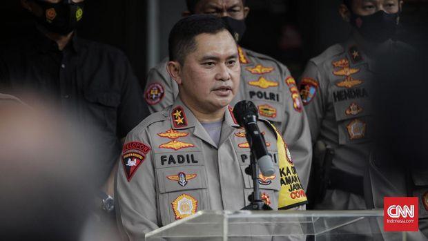 Kapolda Metro Jaya Irjen Pol Muhammad Fadil Imran memberikan keterangan pers terkait status tersangka pada kasus kerumunan dan pelanggaran protokol kesehatan. Jakarta, Kamis, 10 Desember 2020.