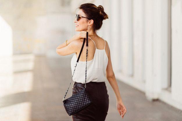 Kepribadian Cewek Pecinta Sling Bag