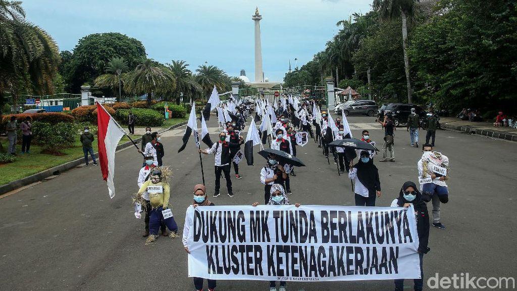 Ketika Buruh Gelar Aksi di Tengah Peringatan Hari HAM Sedunia