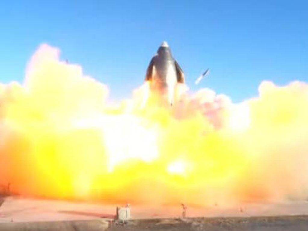 Uji Coba Roket Raksasa SpaceX Berakhir dengan Ledakan